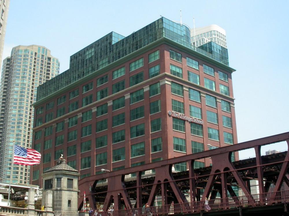 Chicago school building