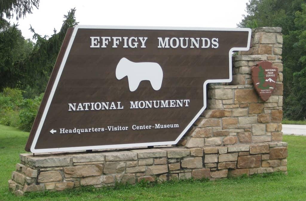 Effigy Mounds sign