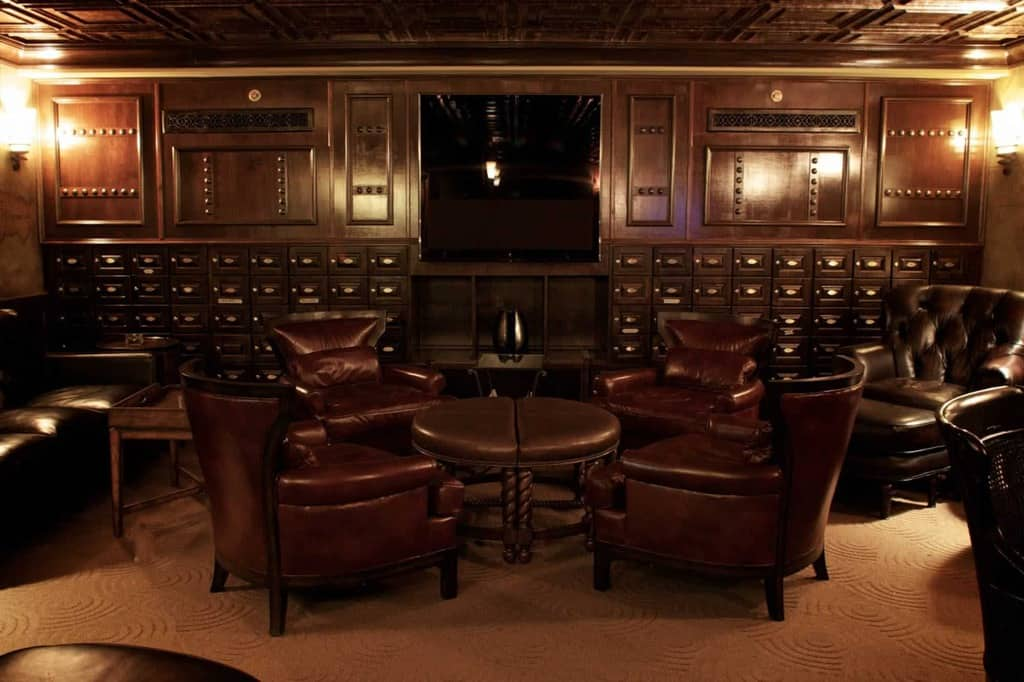 Private Cigar Lounge for Members