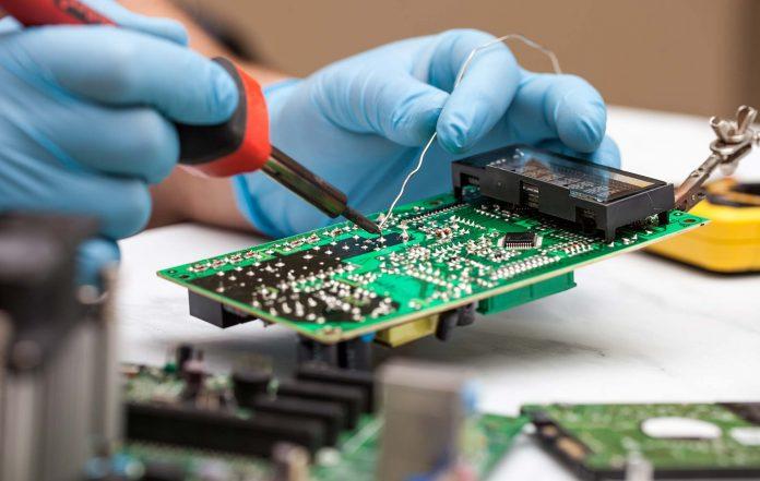 soldering istock